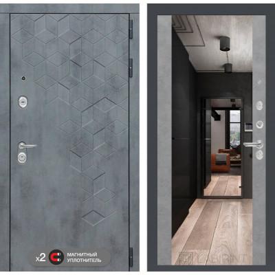 Стальная дверь Лабиринт Бетон Максимум с зеркалом (Бетон светлый)