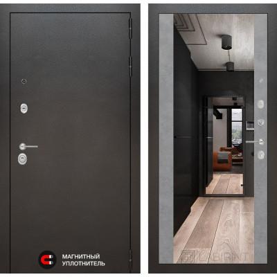 Стальная дверь Лабиринт SILVER Максимум с зеркалом (Бетон светлый)