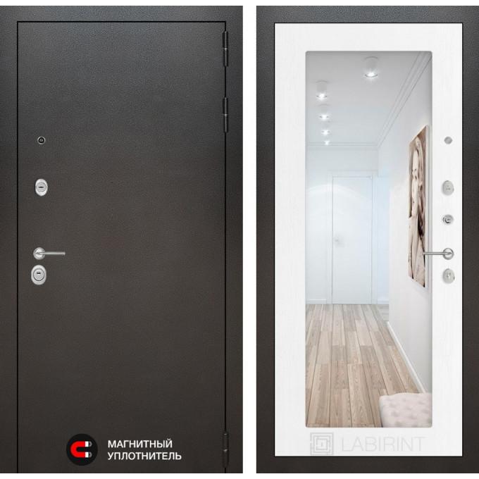 Стальная дверь Лабиринт SILVER 18 с зеркалом (Белое дерево)